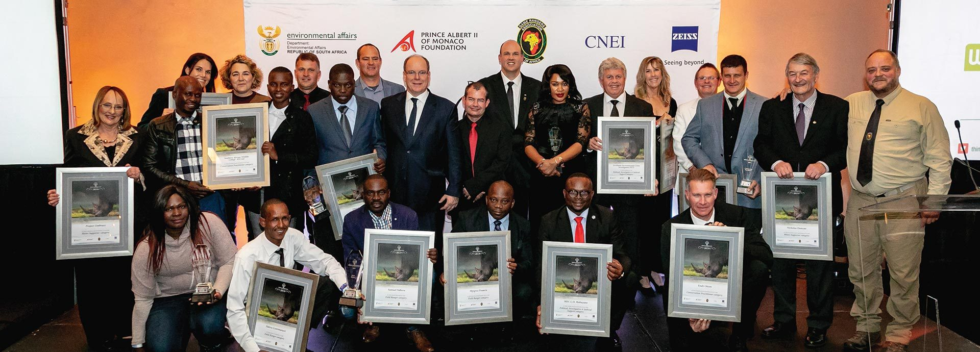 http://www.cardinal-air.co.za/wp-content/uploads/2019/07/C-AIR-Rhino-Conservation-Awards-1920x690.jpg